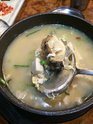 アワビ入り干し鱈スープ