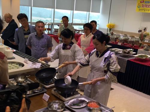 新安アミの塩辛広報大使任命式と料理お披露目会
